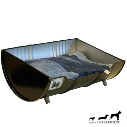 Stoere Industriële Hondenmand 'Dog XXL' Indusigns 3