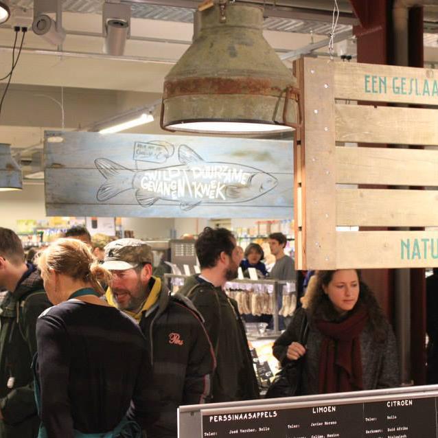 Industriële-Hanglamp-Melkbus-Marqt-Amsterdam