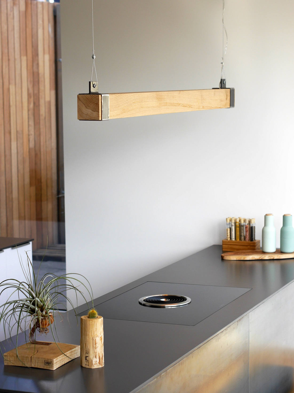 houten balklamp 39 woodlight 39 indusigns. Black Bedroom Furniture Sets. Home Design Ideas