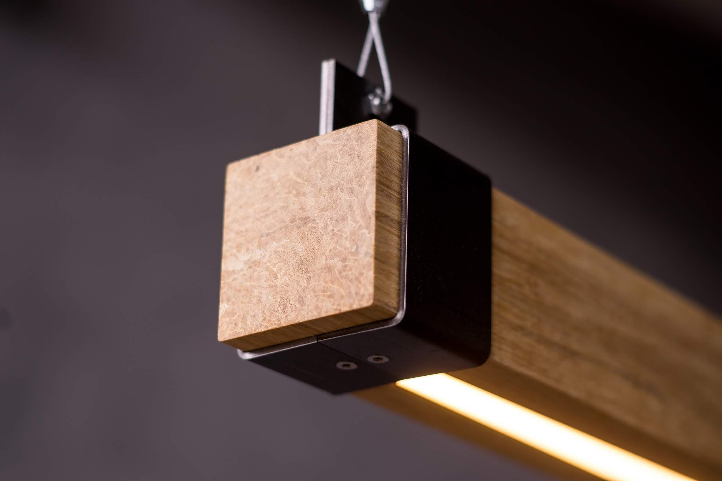 Woodlight Detail donker